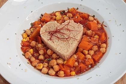 Rezeptbild zum Rezept Couscous mit würzigem Kichererbsen-Stew