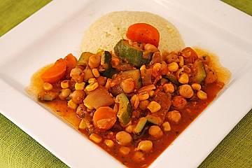 Couscous mit würzigem Kichererbsen-Stew