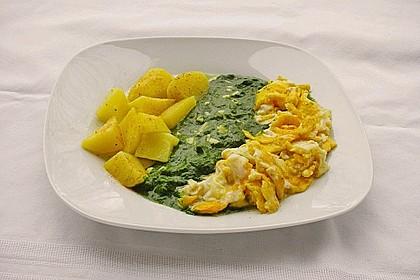 Kartoffeln, Spinat, Käse und Ei 0
