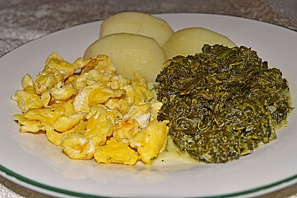 Kartoffeln, Spinat, Käse und Ei 2