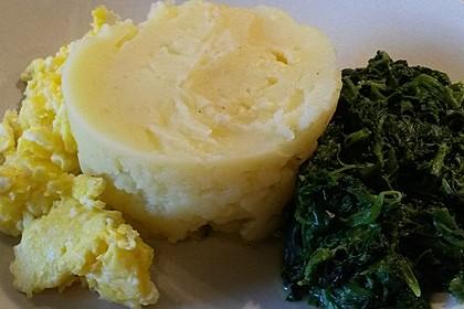 Kartoffeln, Spinat, Käse und Ei 11