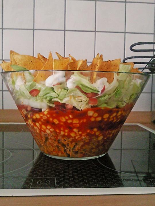 nacho auflauf mit eisbergsalat