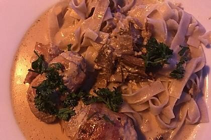 Schweinemedaillons im Parmaschinkenmantel mit Steinpilz - Gorgonzola - Sauce 46