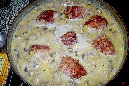 Schweinemedaillons im Parmaschinkenmantel mit Steinpilz - Gorgonzola - Sauce 63