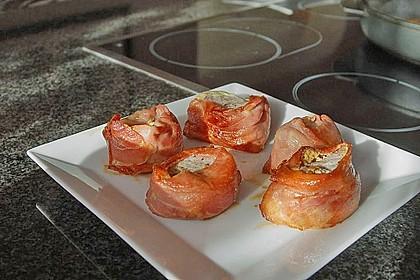 Schweinemedaillons im Parmaschinkenmantel mit Steinpilz - Gorgonzola - Sauce 43