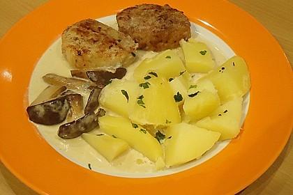 Schweinemedaillons im Parmaschinkenmantel mit Steinpilz - Gorgonzola - Sauce 49