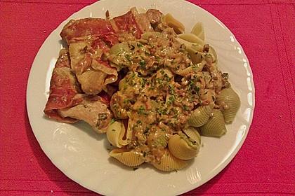 Schweinemedaillons im Parmaschinkenmantel mit Steinpilz - Gorgonzola - Sauce 71