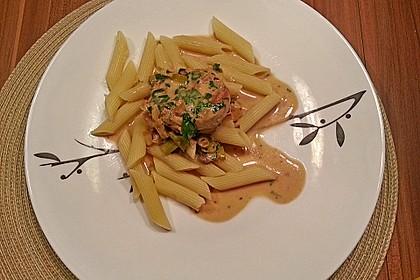 Schweinemedaillons im Parmaschinkenmantel mit Steinpilz - Gorgonzola - Sauce 44