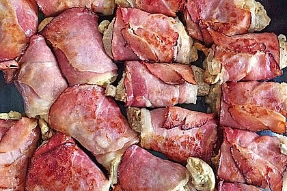 Schweinemedaillons im Parmaschinkenmantel mit Steinpilz - Gorgonzola - Sauce 32