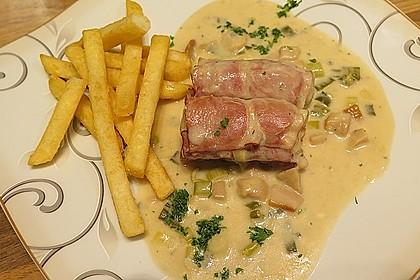 Schweinemedaillons im Parmaschinkenmantel mit Steinpilz - Gorgonzola - Sauce 36