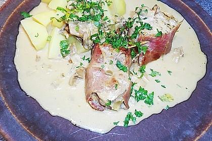Schweinemedaillons im Parmaschinkenmantel mit Steinpilz - Gorgonzola - Sauce 30