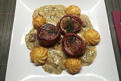 Schweinemedaillons im Parmaschinkenmantel mit Steinpilz - Gorgonzola - Sauce 81