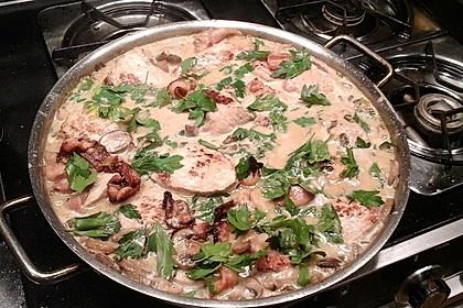 Schweinemedaillons im Parmaschinkenmantel mit Steinpilz - Gorgonzola - Sauce 57