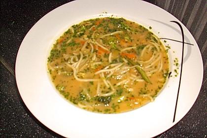 Nudelsuppe mit Gemüse 5