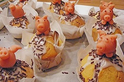 Marmorierte Muffins mit Marzipanschwein 1