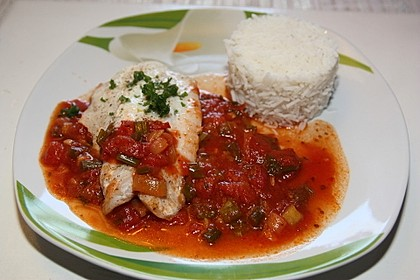 Rotbarschfilet in Tomatensauce