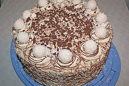 Kokos raffaello torte mit nougat und marzipan rezept - Torten dekorieren mit marzipan ...