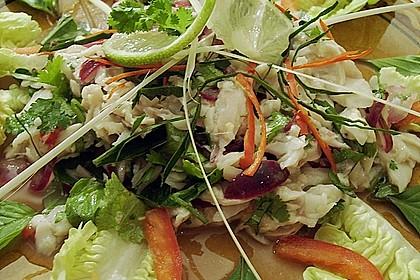 Thai - Fischsalat aus Forelle mit Zitronengras und Kräutern