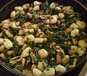 Käse - Kräuter - Nudeln mit Spinat und Champignons (Bild)