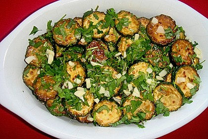 Eingelegte Zucchini und Auberginen
