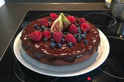 Veganer Schoko - Nuss - Kokos - Kuchen 12