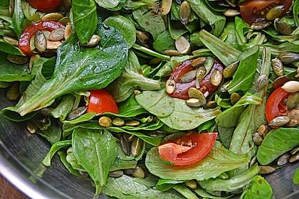 Rucola - Salat mit Pinienkernen