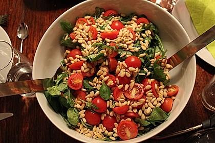 Rucola - Salat mit Pinienkernen 1