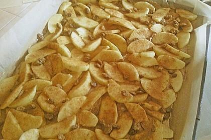 Streuselkuchen mit fruchtiger Füllung 64