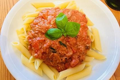 Nudeln in leichter, sämiger Thunfisch-Tomaten-Käse Sauce 12