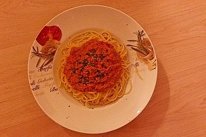 Nudeln in leichter, sämiger Thunfisch-Tomaten-Käse Sauce 108