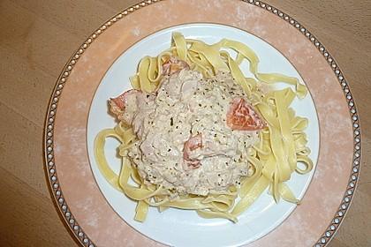 Nudeln in leichter, sämiger Thunfisch-Tomaten-Käse Sauce 65