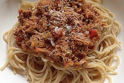 Nudeln in leichter, sämiger Thunfisch-Tomaten-Käse Sauce 36