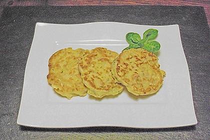 Wirsingpfannkuchen mit Speck