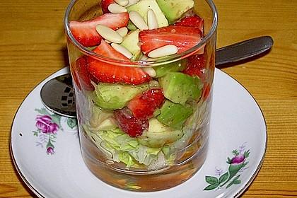 Avocado - Erdbeer - Salat mit Ingwer Dressing 5