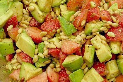 Avocado - Erdbeer - Salat mit Ingwer Dressing 10