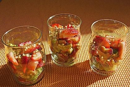 Avocado - Erdbeer - Salat mit Ingwer Dressing 7