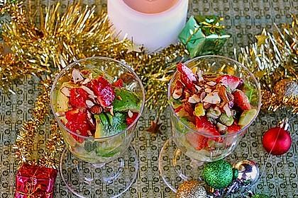 Avocado - Erdbeer - Salat mit Ingwer Dressing 9
