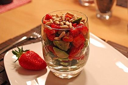 Avocado - Erdbeer - Salat mit Ingwer Dressing 6