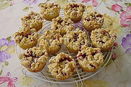 Erdbeer - Muffins mit Rhabarberfüllung 1