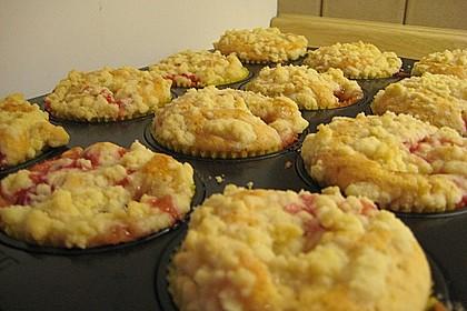 Erdbeer - Muffins mit Rhabarberfüllung 5