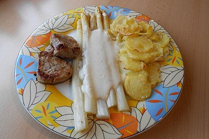 Spargel mit Sauce Hollandaise, gebratenem Schweinefilet und Kartoffelgratin 23