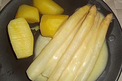 Spargel mit Sauce Hollandaise, gebratenem Schweinefilet und Kartoffelgratin 30