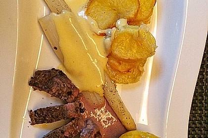 Spargel mit Sauce Hollandaise, gebratenem Schweinefilet und Kartoffelgratin 9