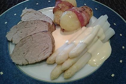 Spargel mit Sauce Hollandaise, gebratenem Schweinefilet und Kartoffelgratin 32