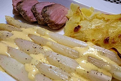 Spargel mit Sauce Hollandaise, gebratenem Schweinefilet und Kartoffelgratin 6