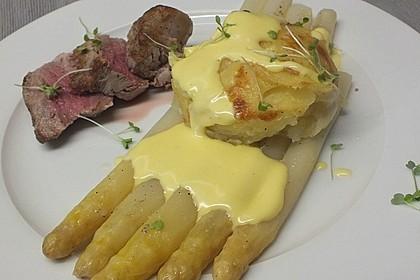 Spargel mit Sauce Hollandaise, gebratenem Schweinefilet und Kartoffelgratin 4