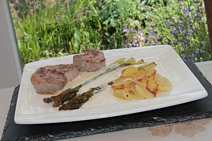 Spargel mit Sauce Hollandaise, gebratenem Schweinefilet und Kartoffelgratin 14