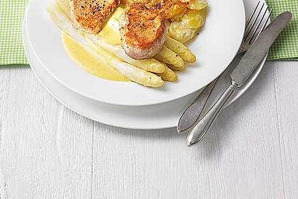 Spargel mit Sauce Hollandaise, gebratenem Schweinefilet und Kartoffelgratin 2