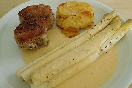 Spargel mit Sauce Hollandaise, gebratenem Schweinefilet und Kartoffelgratin 7