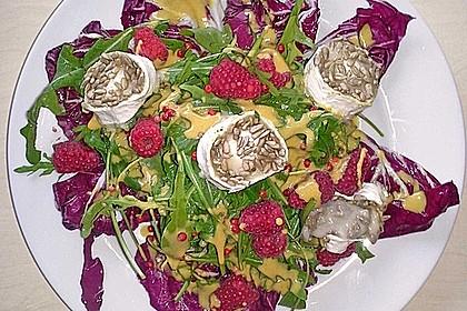 Salat mit warmem Ziegenkäse und Himbeeren 5